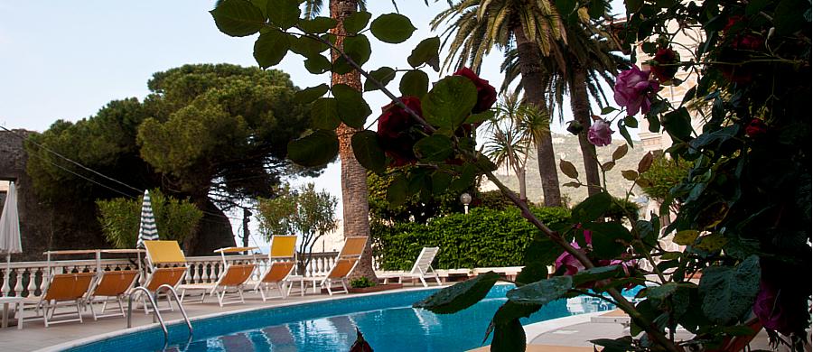 04-2014-piscina3.jpg